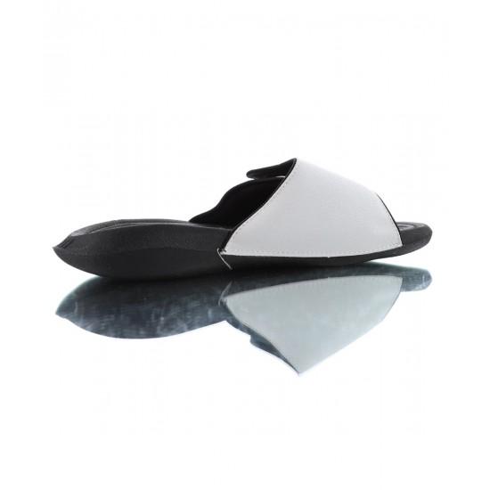 2020 JORDAN HYDRO V RETRO White Black Unisex Sandals